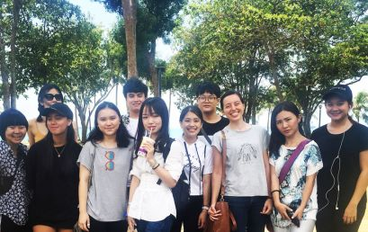 Hawthorn English Students TGIF by the Sea!