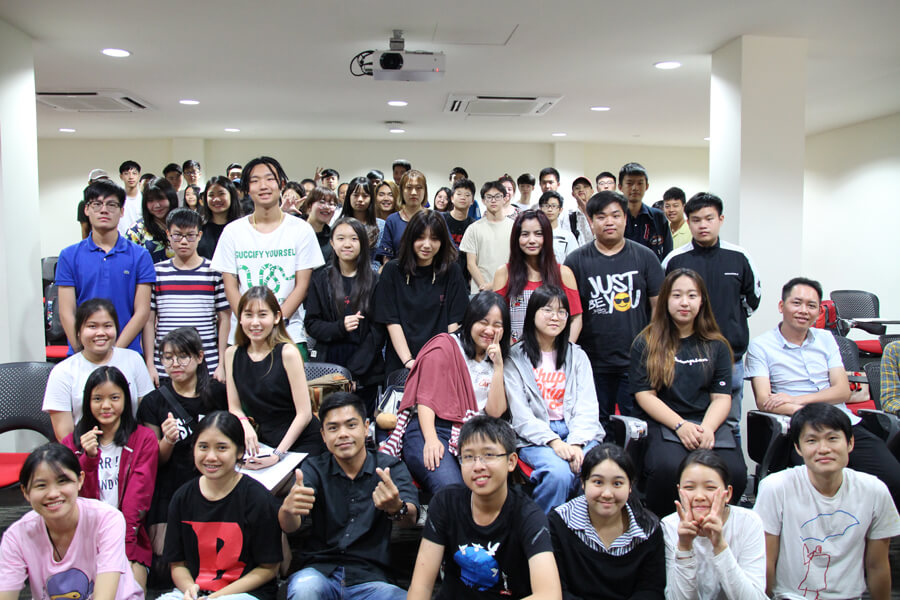 Group Photo @ Holiday English Certificate Ceremony
