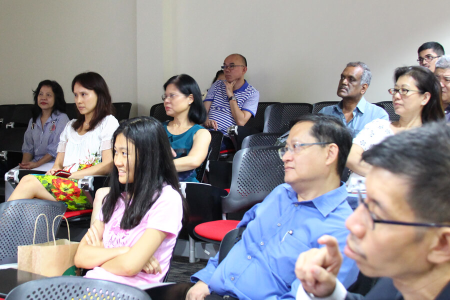 Photo of the audience in the Public Talk