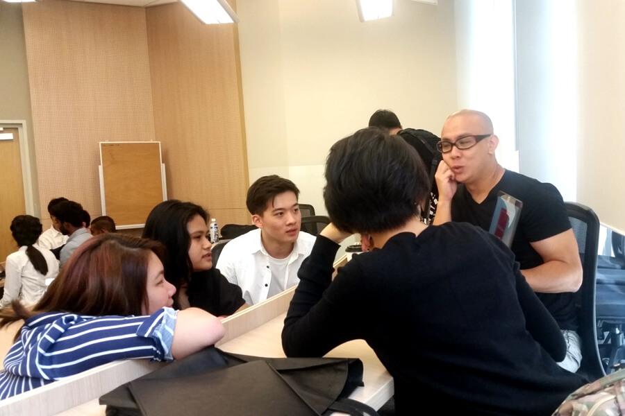 TMC students having talk with local entrepreneurs