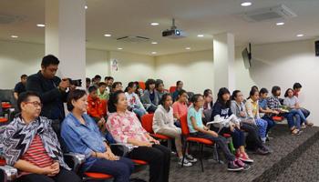 Visit by Yothinburana School