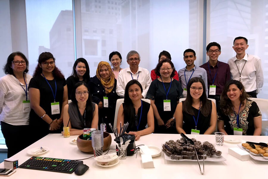 IPRS Student Chapter Members visit Bloomberg