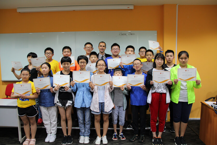 Certificate of Participant @ Parallel Education X TMC Holiday English