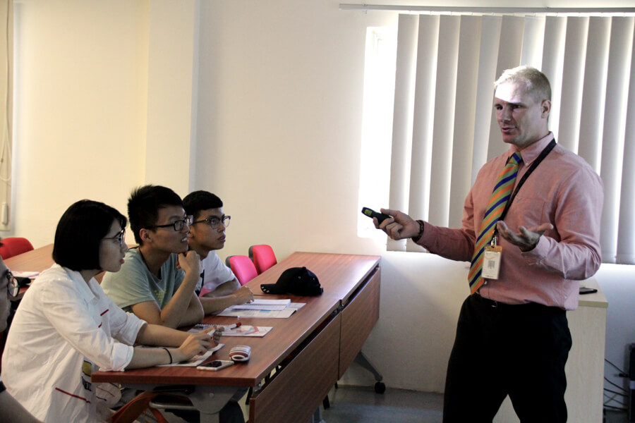 Mr Andrew Giving Hawthorn Class Demo - Chang Zhou Vocational Institute of Machatronic Technology visit TMC Academy